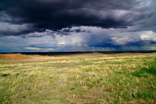 Pawnee Buttes Storm Clouds and fall birding in Colorado